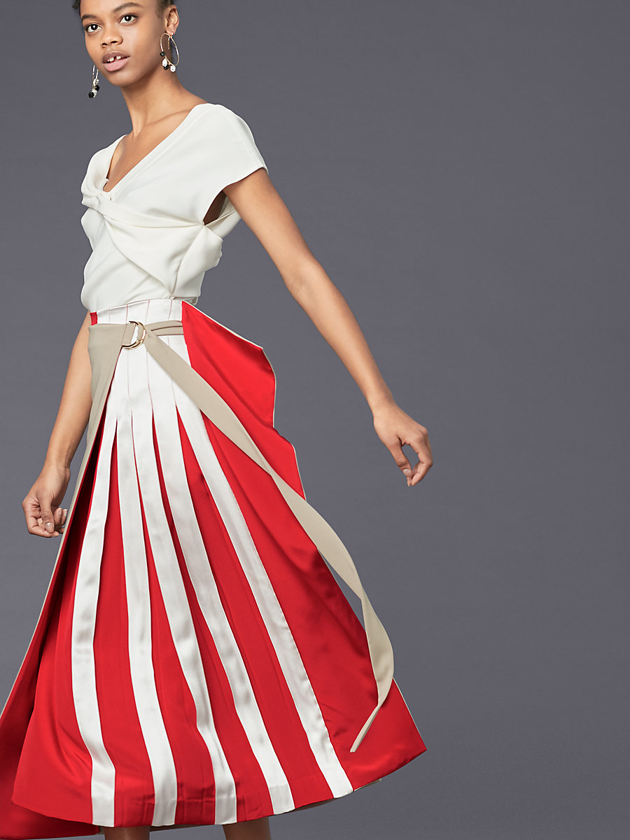 Pleated Clapsed Kilt Skirt in Dune/ Lipstick by DVF