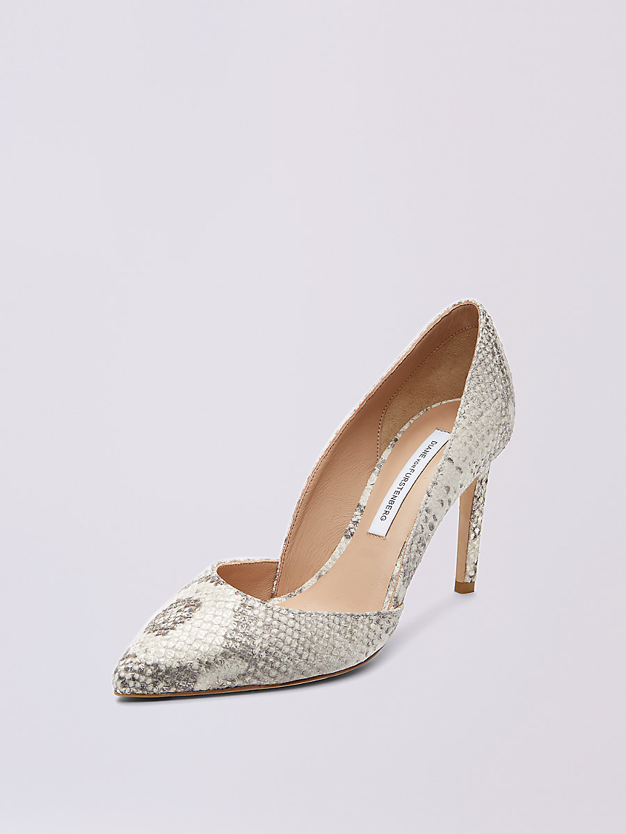 Lille Pump in Natural by DVF