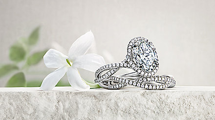Engagement ring and band in platinum with diamond settings