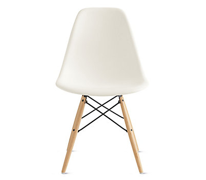 Eames® Molded Plastic Dowel Leg Side Chair (DSW)