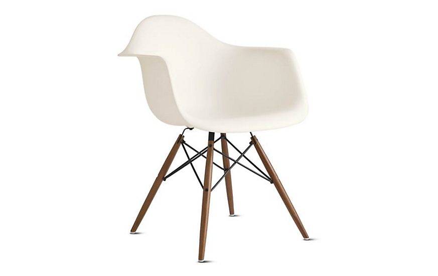 eames molded plastic armchair dowel base herman miller. Black Bedroom Furniture Sets. Home Design Ideas