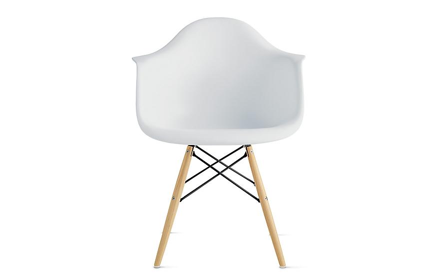 Eames® Molded Plastic Dowel-Leg Armchair (DAW)
