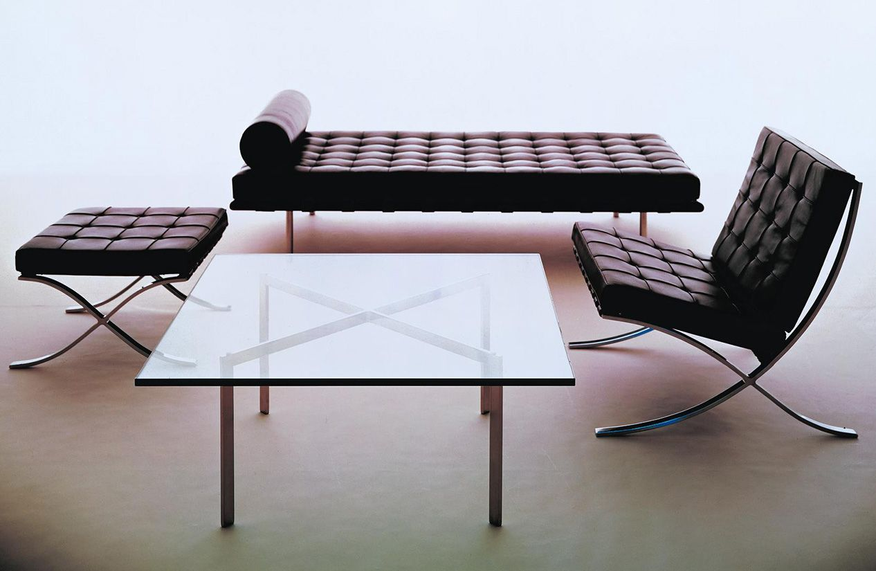 barcelona® table - design within reach