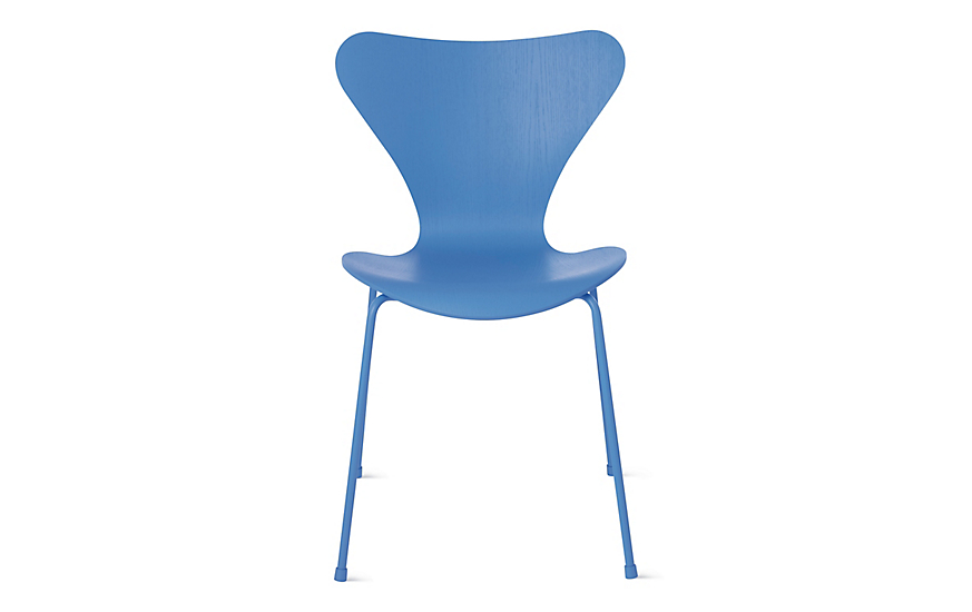 Series 7™ Monochrome Chair