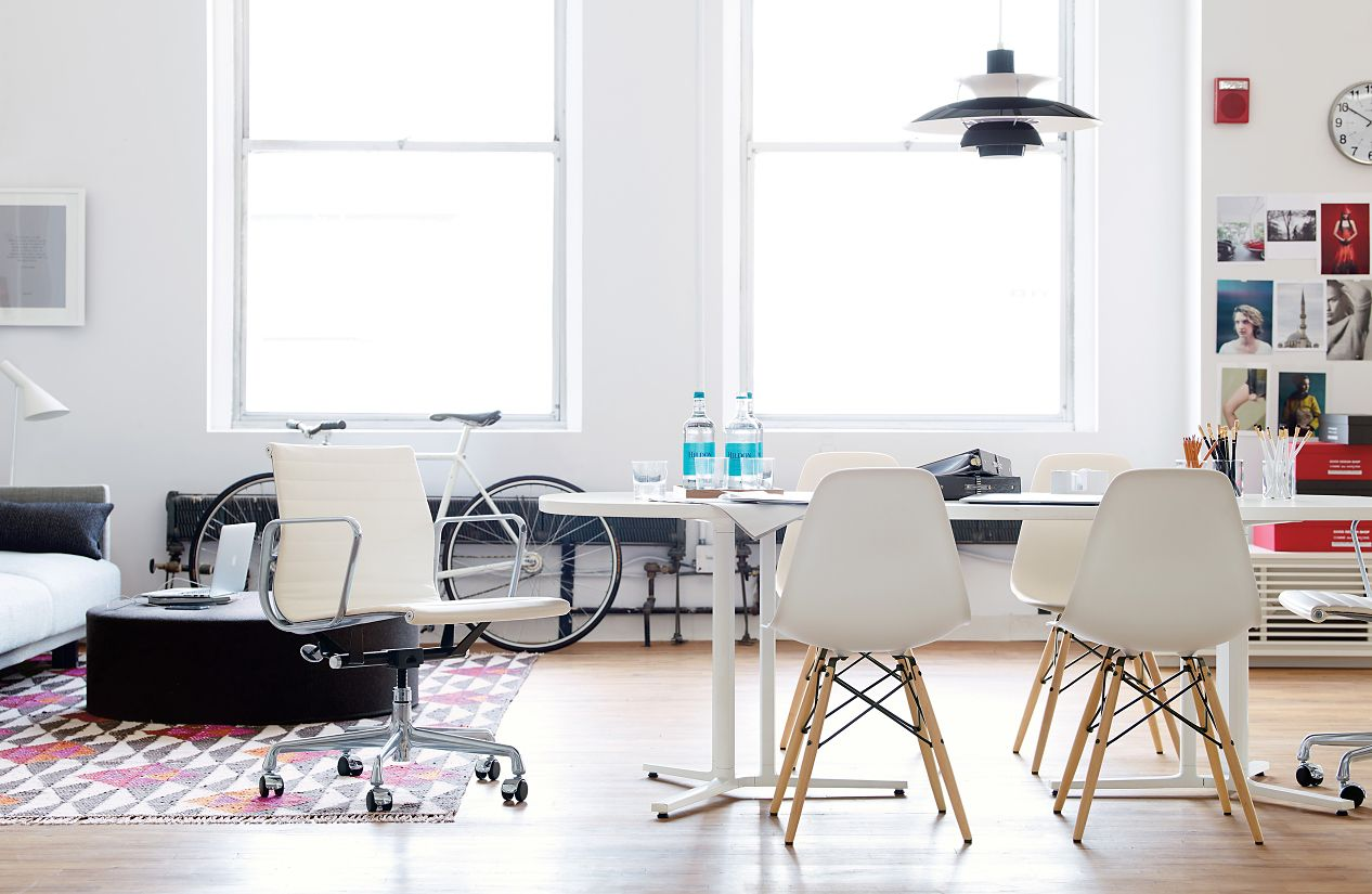 Everywhere™ Conference Table