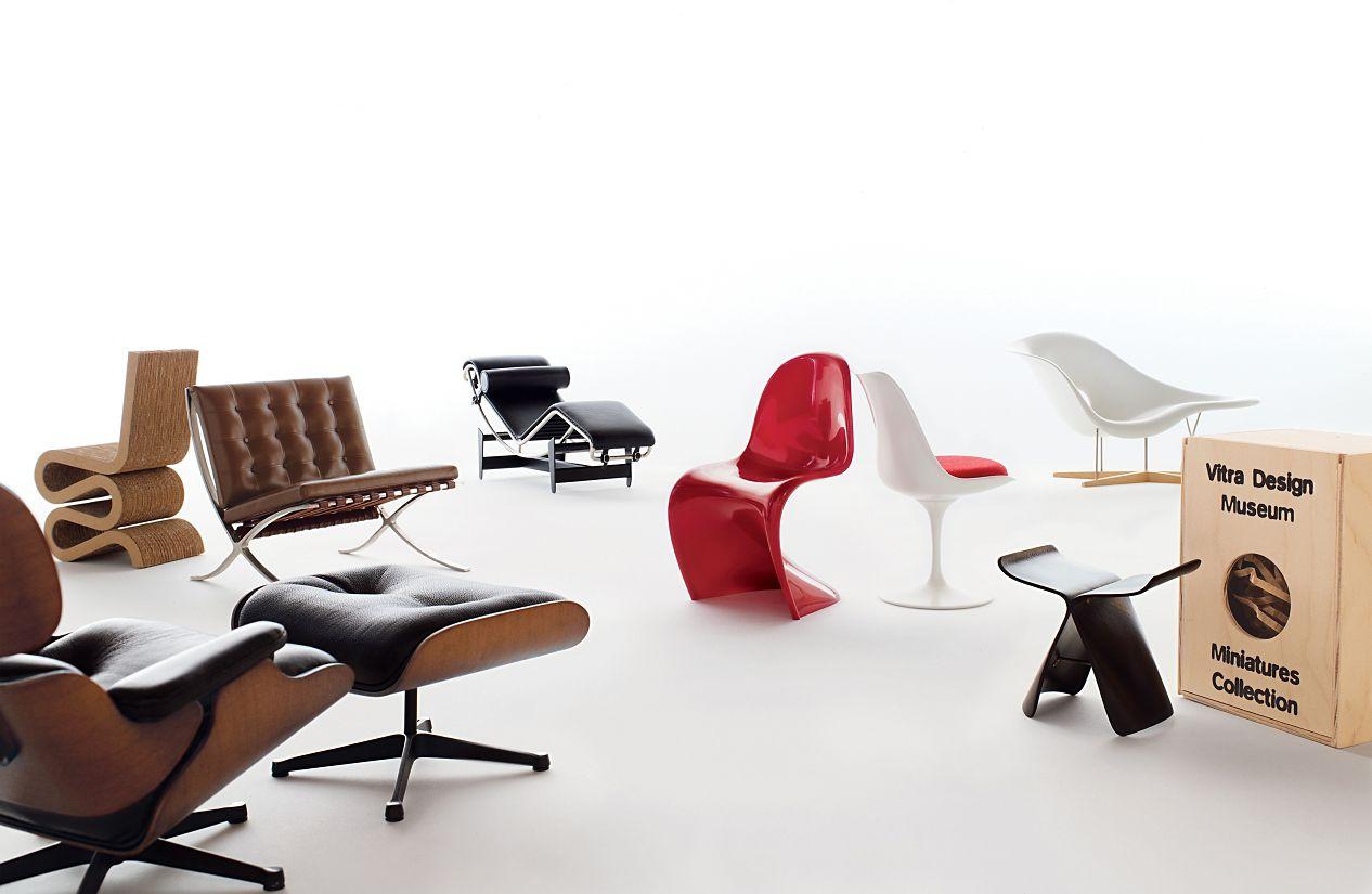 Vitra miniatures collection saarinen tulip chair design for Miniature designer chairs