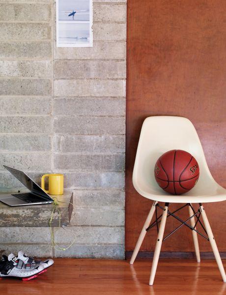 ... Eames® Molded Fiberglass Dowel Leg Side Chair (DFSW)
