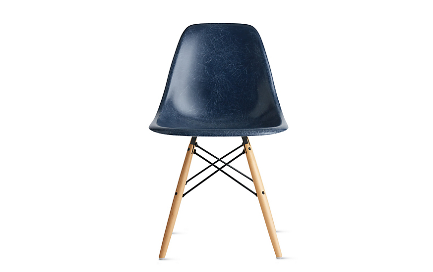 Eames® Molded Fiberglass Dowel-Leg Side Chair (DFSW)