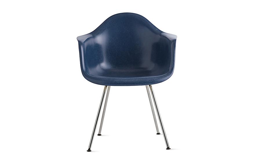 Eames® Molded Fiberglass 4-Leg Armchair (DFAX)