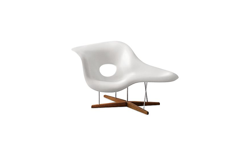 Eames la chaise design within reach for Chaise design eames