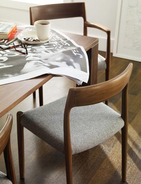 ... Møller Model 77 Side Chair