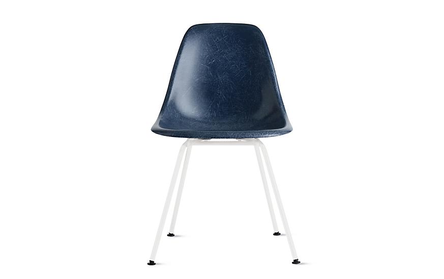 Eames® Molded Fiberglass 4-Leg Side Chair (DFSX)