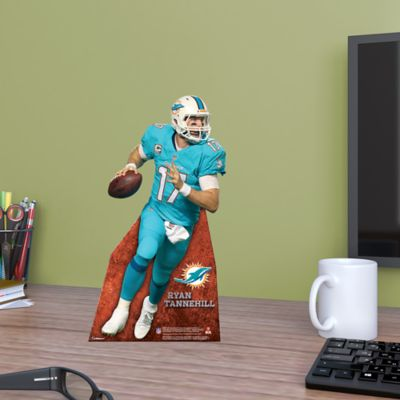 Ryan Tannehill Desktop Stand Out