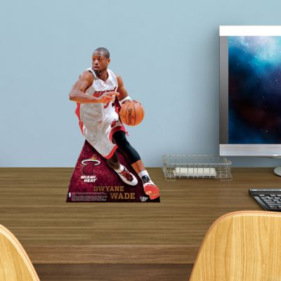 Dwyane Wade Desktop Stand Out