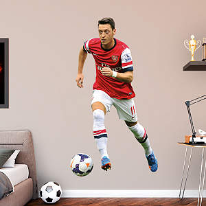 Mesut zil for Emirates stadium mural