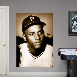 Roberto Clemente - Portrait Mural Fathead Wall Decal