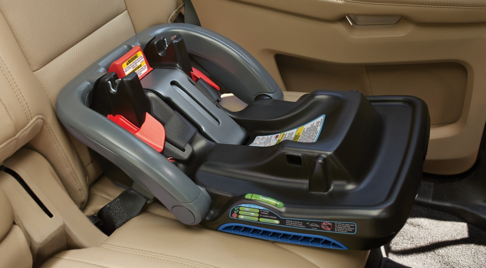 Installing GracoR Car Seat With Belt