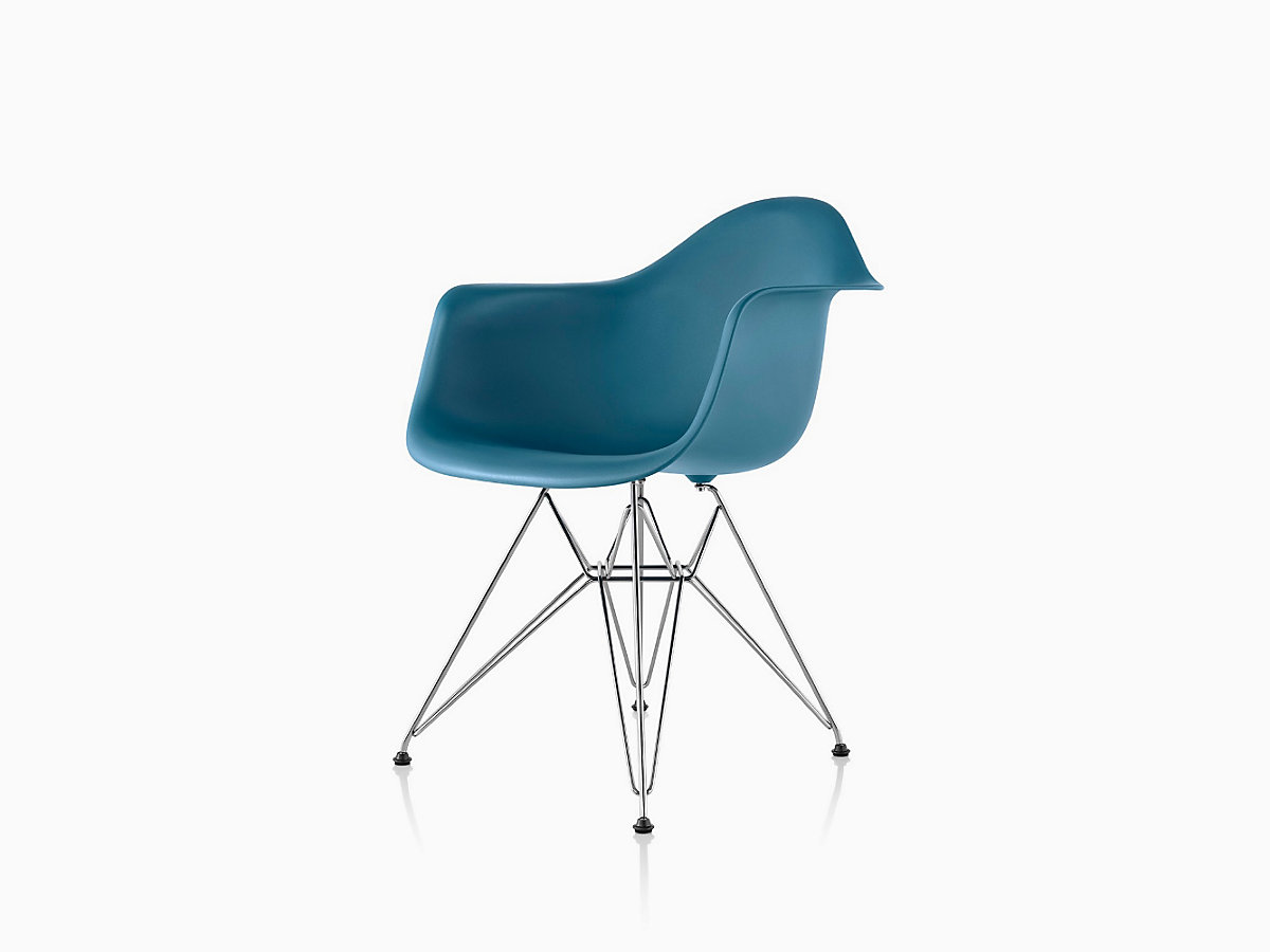 Eames Molded Plastic Wire-Base Armchair (DAR)