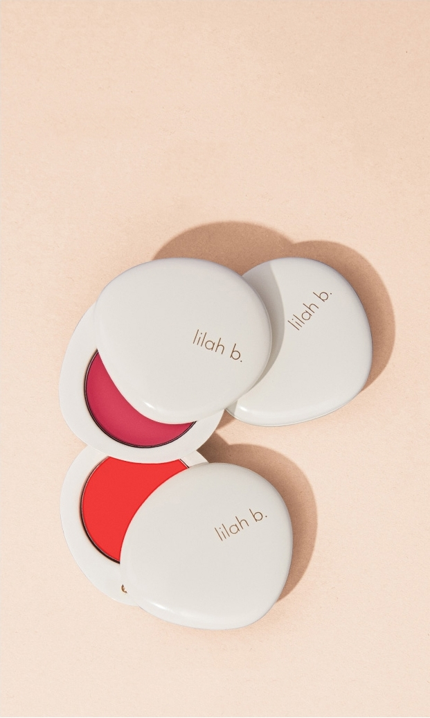 Define & Highlight Warm things up with blush on the apples of your cheeks for a natural flush, and add highlighter to brighten your complexion. Remember: the right brush makes all the difference. SHOP NOW