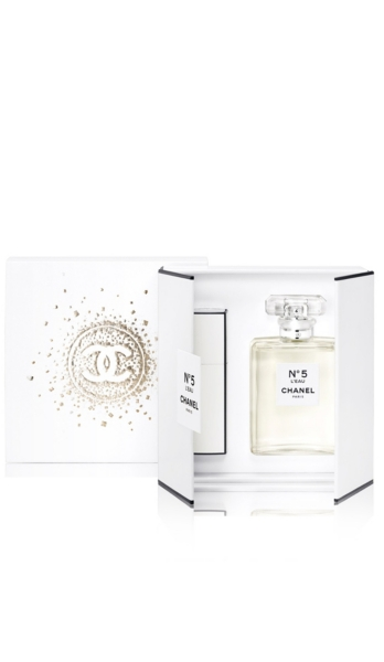 CHANEL - L'Eau Gift Box | HoltRenfrew.com
