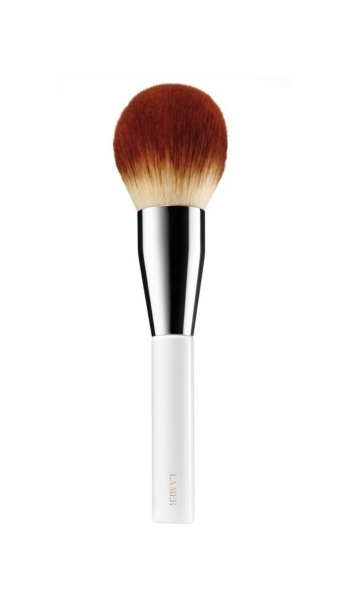 LA MER - The Powder Brush | HoltRenfrew.com