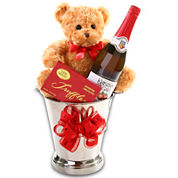 Alder Creek Toasting Love Gift Basket
