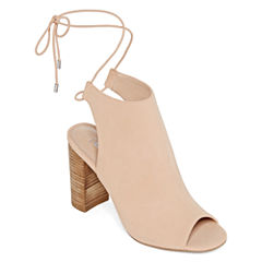 Style Charles Evolve Womens Pumps
