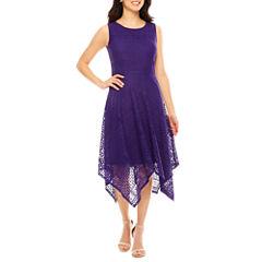 Ronni Nicole Sleeveless Lace Hankey Hem Maxi Dress