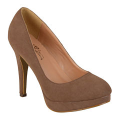 Journee Collection Madi-1 Pumps in Wide Width