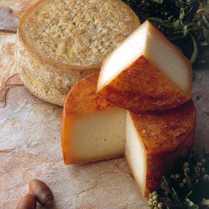 Ibores Cheese with Traditional Paprika Rub , D.O.