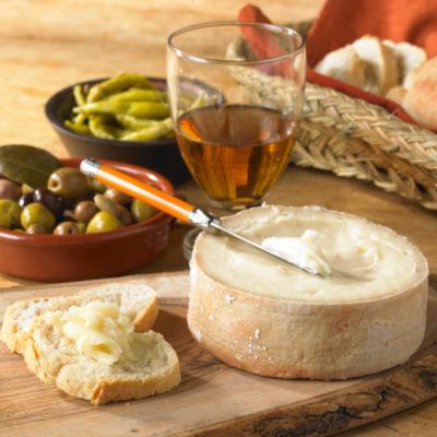 Torta del Casar Soft Cheese, D.O.