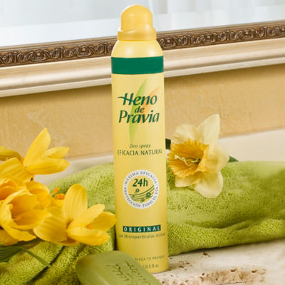 2 Packages of Heno de Pravia Spray Deodorant