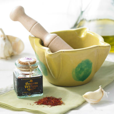 La Mancha Saffron with Mortar and Pestle