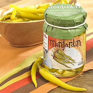 Organic Pickled Guindilla Peppers by Monjardin