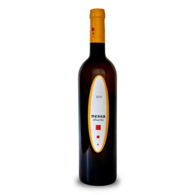 Nessa Albarino 2010 by Adegas Gran Vinum