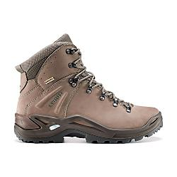 photo: Lowa Ronan GTX Mid hiking boot