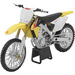 New Ray Toys 1:12 2011 Suzuki RMZ450 - New Ray Toys Motorcycle Toys
