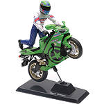 New Ray Toys 1:18 Scale Kawasaki ZX-6RR Ninja Jason Britton Bike And Figure Replica - New Ray Toys Cruiser Toys