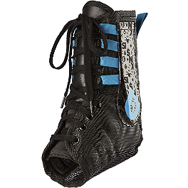 SixSixOne Ankle Race Brace Pro - Shock Doctor 849 Ultra Lite Ankle Support