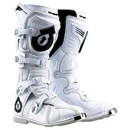 2013 SixSixOne Flight Boots - 2014 Fox F3R Boots