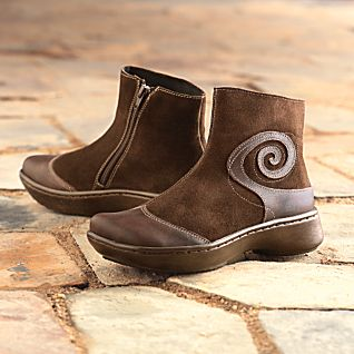 Women's Maori Fern Travel Boots