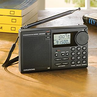 photo: Grundig Aviator G6 radio