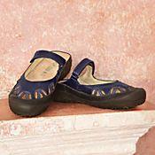 Eco-friendly Slip-on Walking Shoes - Get Details