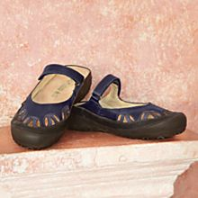 Comfortable Travel-Friendly Womens Footwear