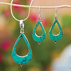 Handcrafted Turquoise Teardrop Necklace
