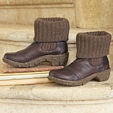 Handcrafted Women's Santiago Travel Boots