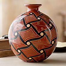 Handcrafted San Juan de Oriente Vase