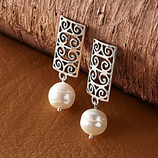 View Gates of Charleston Pearl Earrings image