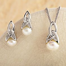 Celtic Pearl Jewelry