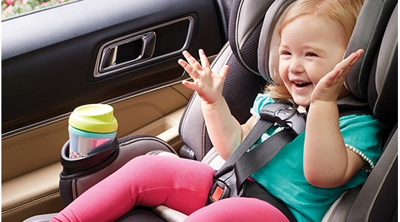 http://s7d2.scene7.com/is/image/Newellsync/Desktop_8AH300-graco-car-seat-4ever-extend2fit-extention-panel-in-use-3?fmt=jpg&qlt=90&resMode=sharp&wid=581
